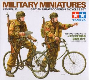 TA35333 British Paratroopers with bicycles